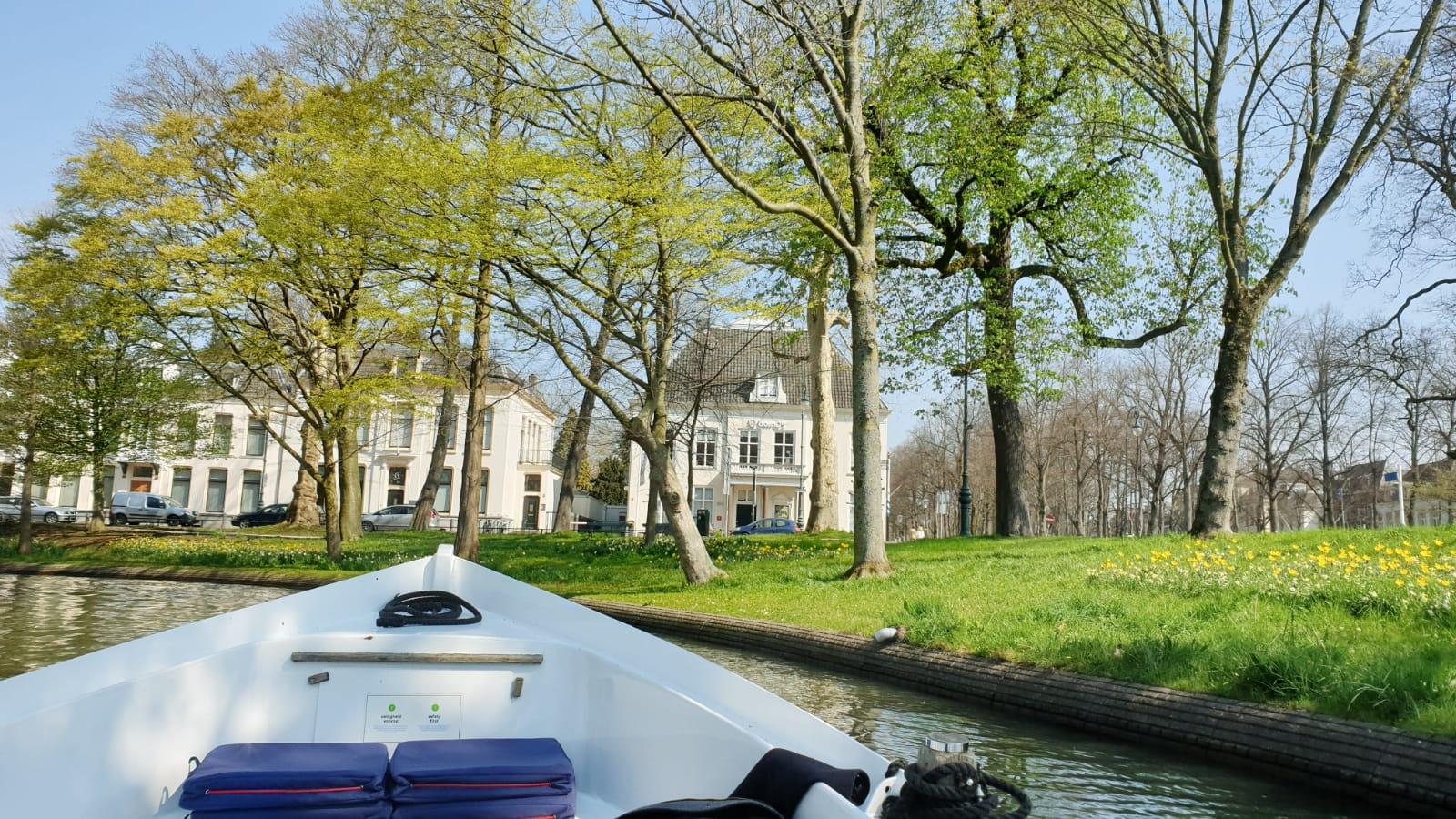 Sloepdelen Vaar Zelf Met Sloep In Amsterdam Utrecht Haarlem Leiden